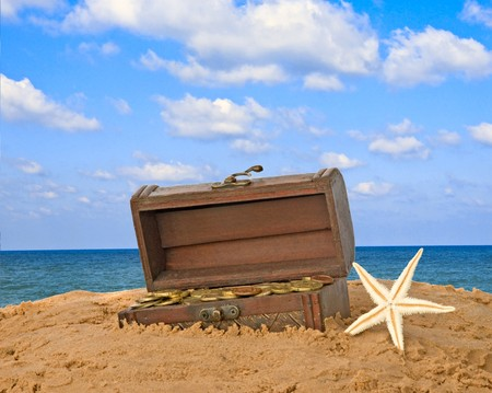 Wooden treasure chest  Stock Photo - 7375627