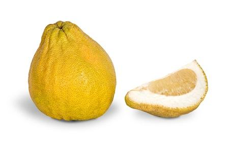 segmento: Solated de pomelo y segmento sobre fondo blanco