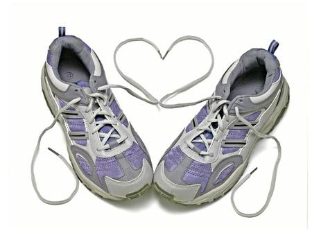 gente corriendo: Zapatillas de deporte aislado sobre fondo blanco