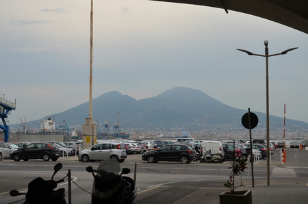 Vesuvio view from street