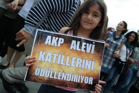 trafalgar: Turkisch Protest in London on Trafalgar Square Editorial