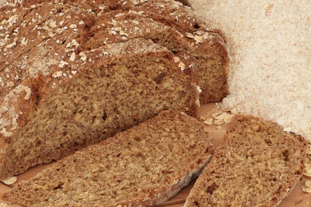 bread soda: Soda bread in slices with wholemeal flour.