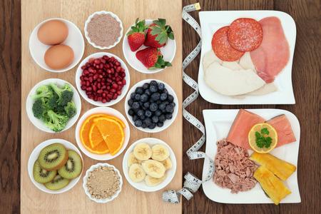 alimentacion sana: Alto contenido de prote�nas la dieta s�per alimento de carne, pescado y huevos, con frutas, verduras y bayas de acai y suplemento en polvo de maca con cinta m�trica. Tambi�n comido por los constructores del cuerpo.