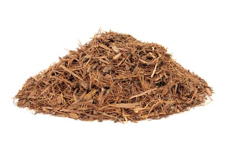 Catuaba 껍질 허브 흰색 배경 위에 자연 대체 약초 의학에서 사용합니다. 성욕을 증가시키는 보양제로 사용됩니다. 스톡 콘텐츠