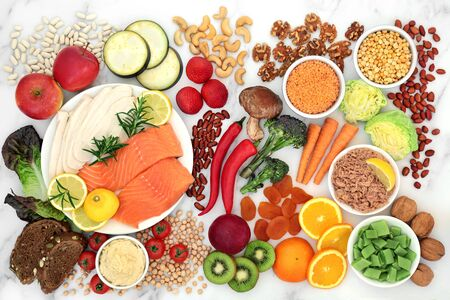 Low GI health food for diabetics with foods high in vitamins, minerals, anthocyanins, protein, antioxidants, smart carbs and omega 3 fatty acids. Below 55 on the GI index. Top view. Banque d'images