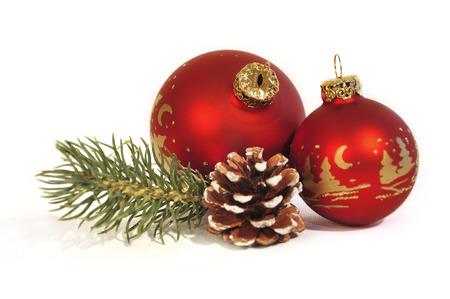 rode kerst ballen op witte achtergrond Stockfoto