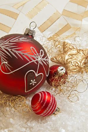 jahreswechsel: decorazioni di Natale rosso e oro