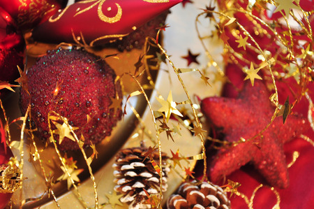 weihnachtsbaum: details of red and golden christmas decoration Stock Photo