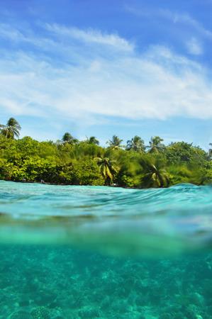 Underwater World Malediven, eiland en de hemel