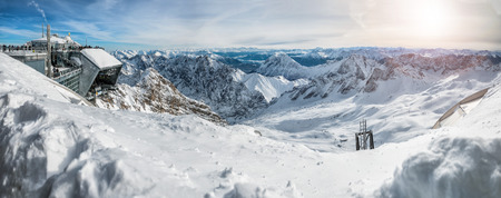 tourismus: wondervoll winter day on the Zugspitze
