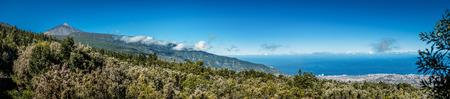 uitkijkpunt - Puerto de la Cruz en Teide Stockfoto