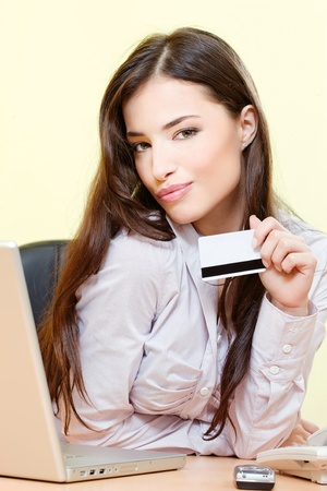 Pretty woman can on line shopping with credit card photo