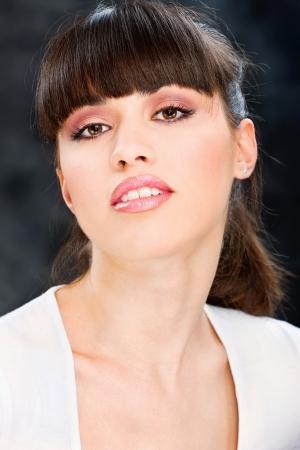 labbra sensuali: Bella donna con labbra sensuali