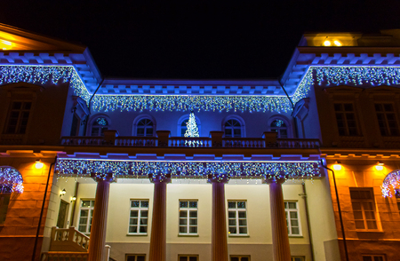 Night view of the Presidential Palace in Vilnius with christmas illumination, Lithuania 版權商用圖片