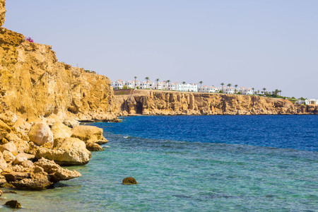 monte sinai: Panorama of the beach at the reef in Sharm el Sheikh, Egypt Foto de archivo