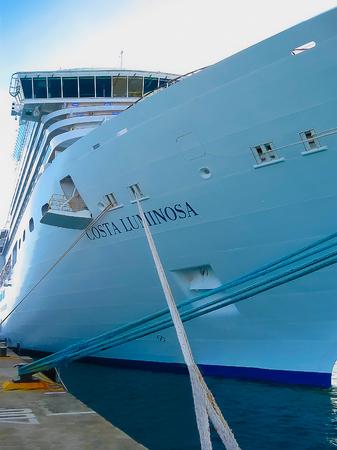 카 탈리 나 섬, 도미니카 공화국 -2009 년 2 월 10 일 : 코스타 Luminosa 크루즈 선박 소유 하 고 Crociere에 의해 운영, 2009 년 Fincantieri Marghera 조선소를 구축.