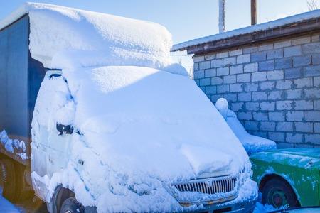 Schnee bedeckte abstraktes LKW Standard-Bild - 96165743
