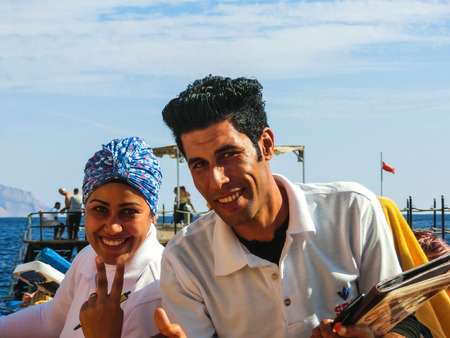 Sharm El Sheikh, Egypt - December 31, 2018: Male and female animator in the luxury Xperience Sea Breeze Resort at Sharm El Sheikh, Egypt on December 31, 2018 Redactioneel