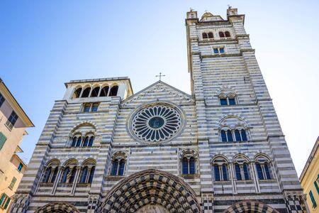 Cattedrale di San Lorenzo in Genoa center Banco de Imagens - 134835759