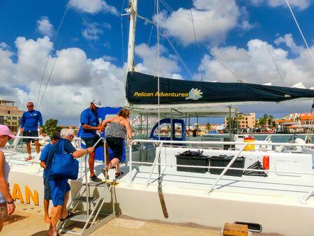 Oranjestad, Aruba - December 4, 2019: Tourists on boat trip from the Pelican tour Banco de Imagens - 138306046