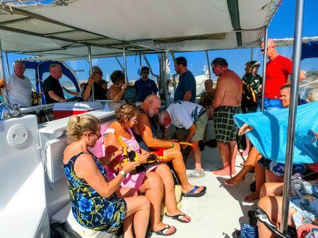 Oranjestad, Aruba - December 4, 2019: Tourists on boat trip from the Pelican tour Banco de Imagens - 138306247