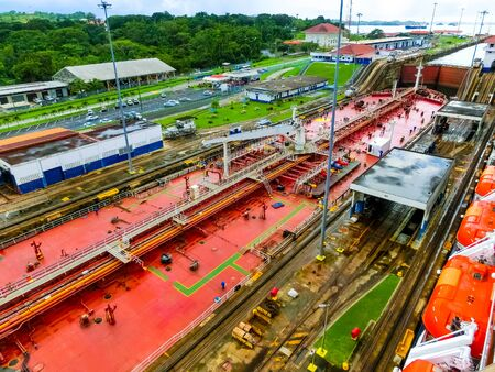 View of Panama Canal from cruise ship at Panama 免版税图像 - 137633708