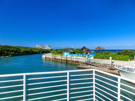 The view of beach on Half Moon Cay island at Bahamas Banco de Imagens