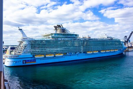 Fort Lauderdale - December 1, 2019: Royal Caribbean, Allure of the Seas cruise ship docked at seaport Port Everglades at Fort Lauderdale, Florida Editoriali