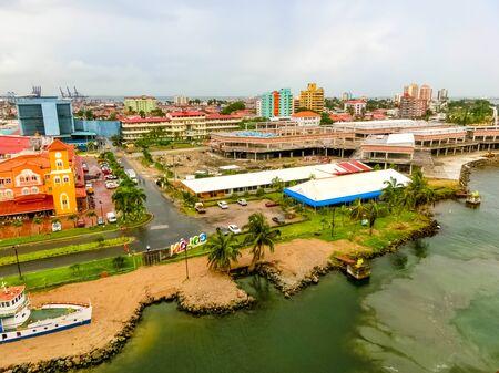 Colon is a sea port on the Caribbean Sea coast of Panama. The city lies near the Caribbean Sea entrance to the Panama Canal. Imagens