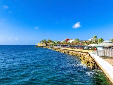 The ocean and Rif Fort at Willemstad, Curacao, Caribbean Banque d'images