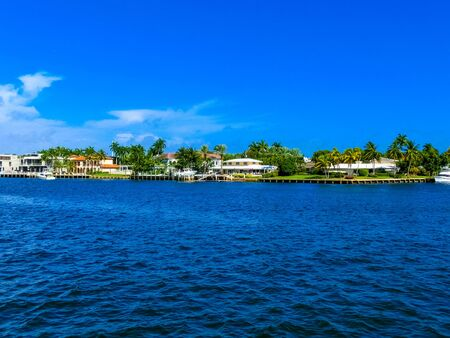 Luxury mansion in exclusive part of Fort Lauderdale known as small Venice Imagens