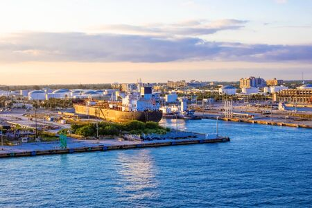 The view from a cruise ship of terminal at Port Everglades, in Ft. Lauderdale, of the channel and beach. Reklamní fotografie