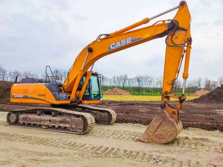 Kiyv, Ukraine - August 30, 2020: Excavator parked at the construction area. Excavator Case The Case Corporation was a manufacturer of construction equipment and agricultural equipment. Redactioneel
