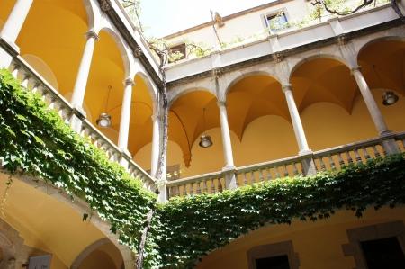 old quarter: Balcony in Barri Gotic Quarte in Barcelona, Spain