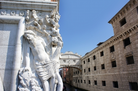 Bridge of Sighs and Marble statue of the Doges Palace, Venice, Italy   Stock Photo - 20950516