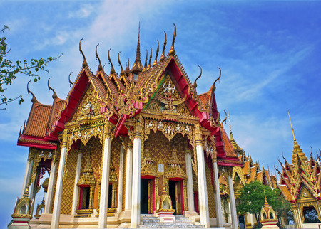 sua: Temple in Thailand. Wat Tham Sua and Wat Tham Khao Noi, Kanchanaburi, Thailand Stock Photo