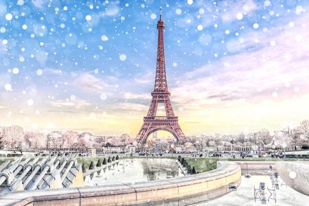 Vue de la Tour Eiffel à Paris à Noël, France. Fond de voyage romantique Banque d'images
