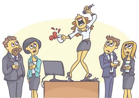 Pijacka kobieta stojąca na stole i śpiewająca karaoke na przyjęciu biurowym, współpracownicy są ogłuszeni.