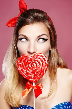 Sexy red bow