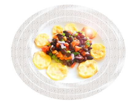 Ensalada de frijol negro con papas al horno. Composición Foto de archivo - 39366284