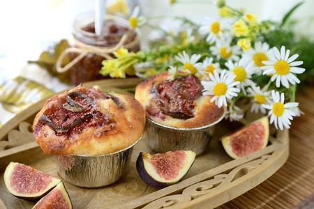 Sweet fig muffins