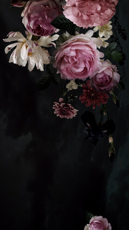 Garland of luxurious garden roses and peonies on a watercolor black background. Flower decoration. Vintage background. Baroque style. Foto de archivo