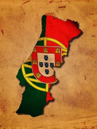 drapeau portugal: Carte portugaise avec le drapeau sur le vieux papier Banque d'images