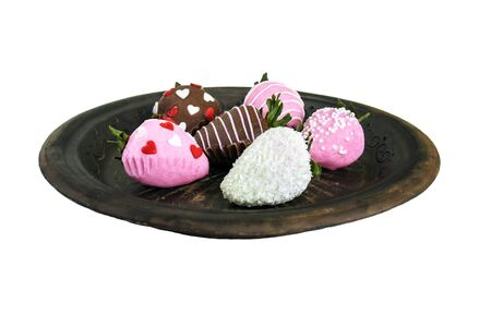 Brown ceramic plate with Chocolate Covered Fresh Strawberries isolated on white background. Gift on Valentines Day or Birthday present. Gourmet white and milk chocolate dessert. 版權商用圖片