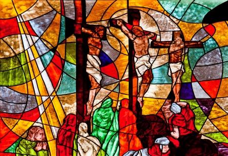 viernes santo: Vitral que muestra a Jes�s crucificado