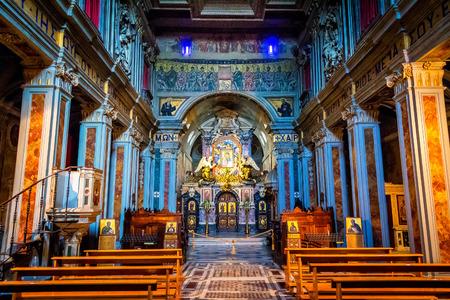 santa maria: Interior of the abbey church of Santa Maria in Grottaferrata Editorial