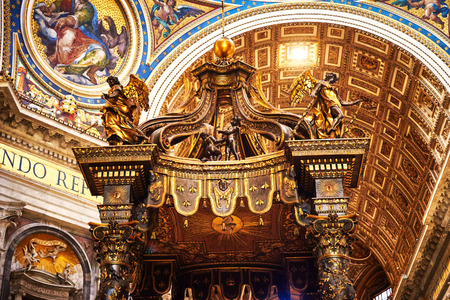 st  peter's basilica pope: VATICAN CITY, VATICAN - OCTOBER 29: Detail of the main altar decorated with gold in the Basilica of St. Peter in the Vatican, Rome, Italy on October 29, 2014