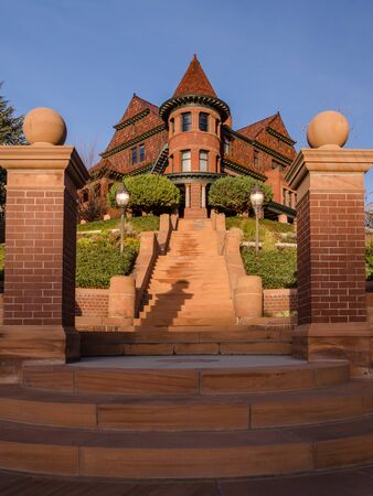 view of the entrance of a classic style house in Salt lake city at sunset, Utah, United States. Imagens