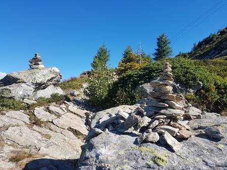 Balanced stones in high mountains 스톡 콘텐츠