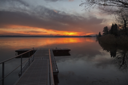 Lake Pusiano photographed at sunset photo